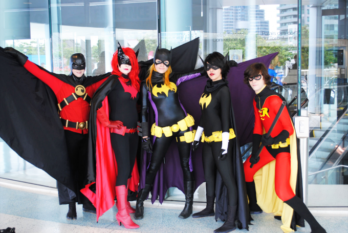 DangerousLadies1 680x455 Cosplay XXXI: Bat Family