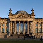 640px-Reichstag_building_Berlin_view_from_west_before_sunset[1]