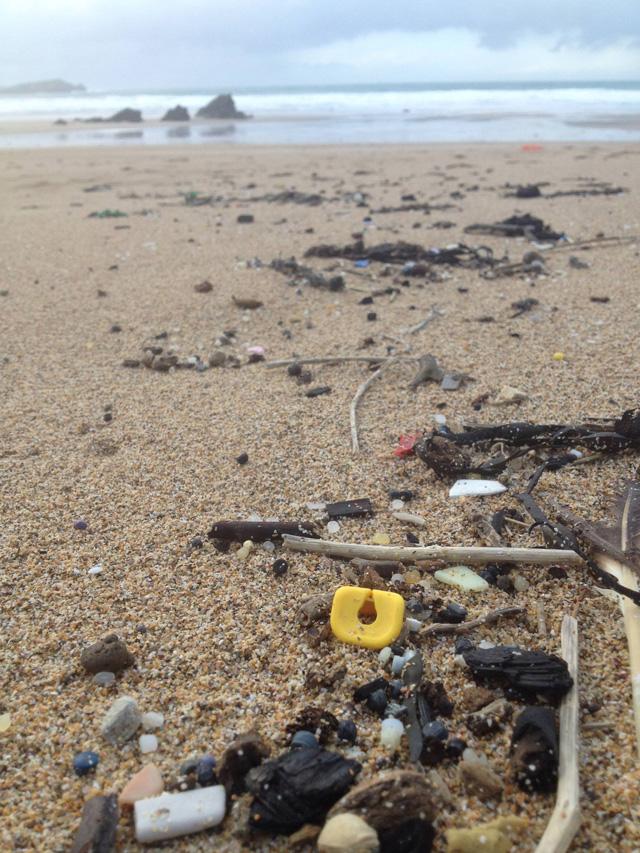 793780 567415036686261 70489178 ossss Lego Lost At Sea   Warum seit 1997 Legoteile im Südwesten Englands angespült werden