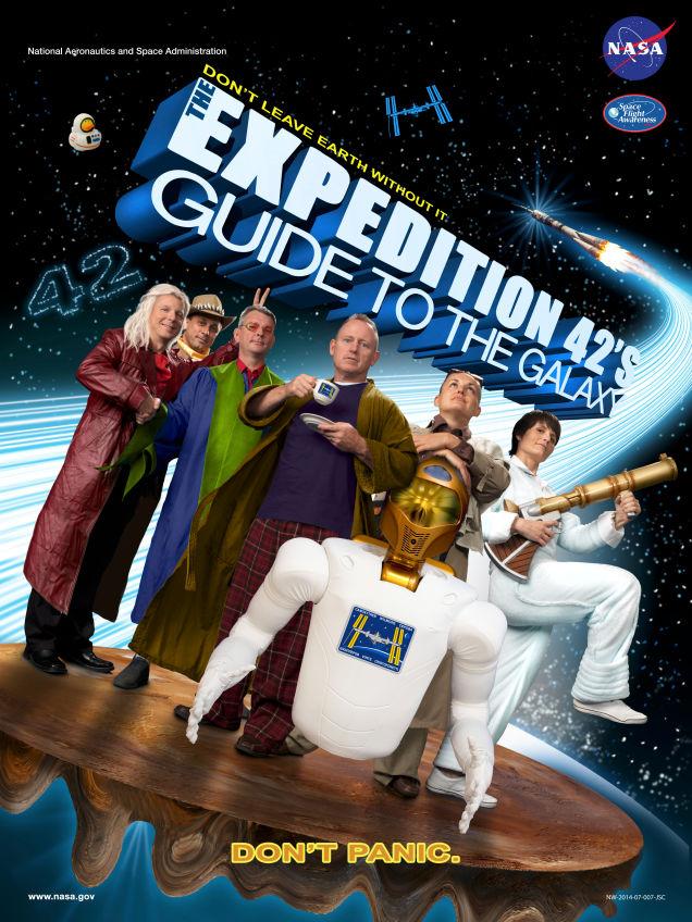 yppsmivroqlhlcertfa31 Die Crew der ISS stellt das Filmposter zu A Hitchikers Guide To The Galaxy nach