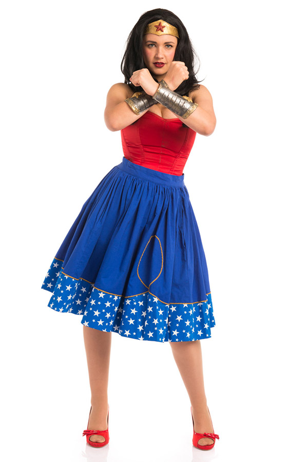 Skirt wonder woman1 Hallo Ladies: Superhero Circle Skirts für das alltägliche Superheldendasein