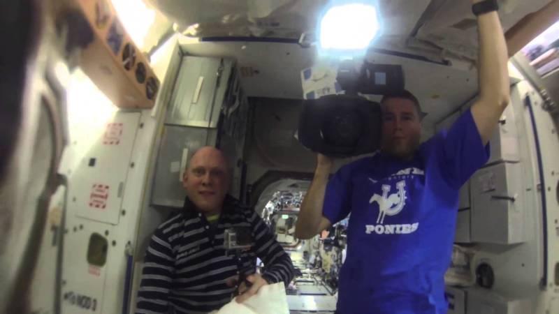 maxresdefaultMT0UV00C e1415228967413 Astronauten haben viel zu viel Spaß mit einer GoPro