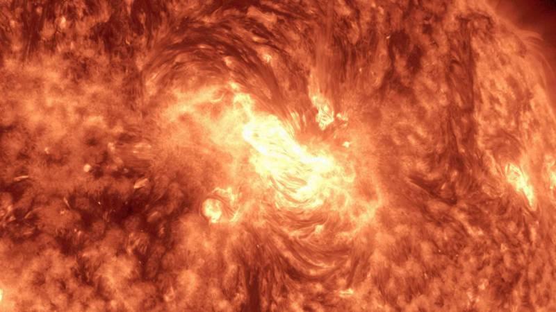 maxresdefaultO3Z0N085 e1415738116654 Die Sonne im 4K Zeitraffer