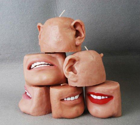 Wie Körperteile aussehende Kerzen