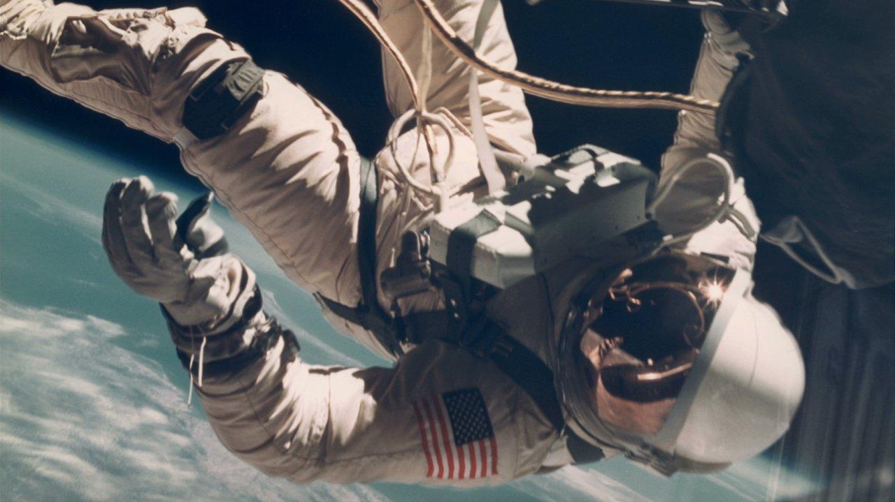 """Der Kurzfilm """"Supersymmetry"""" sucht die Verbindung des Menschen mit dem Weltraum"""
