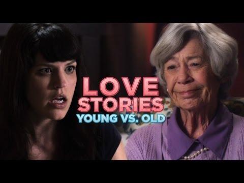 Eine alte und eine junge Frau erzählen die gleiche Liebesgeschichte