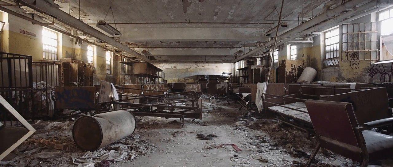 """""""Project Senium"""" dokumentiert die verstörende Schönheit einer verlassenen Nervenheilanstalt"""
