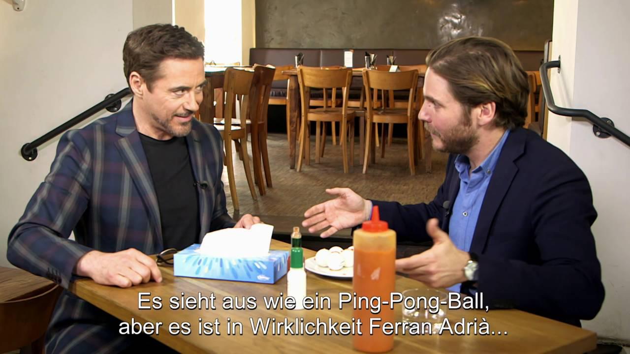 Daniel Brühl führt Robert Downey Jr. durch das kulinarische Berlin #teamcap