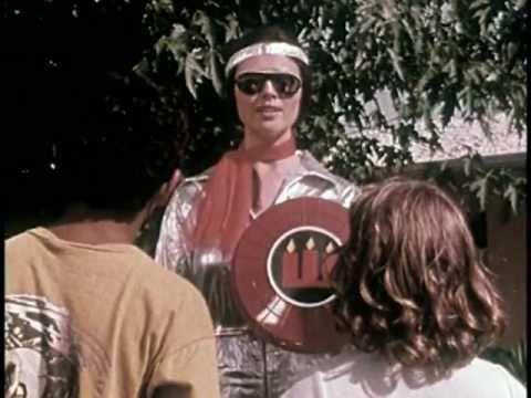 In diesem Lehrfilm von 1978 ist Safety Woman die Superheldin, die damals schon niemand brauchte