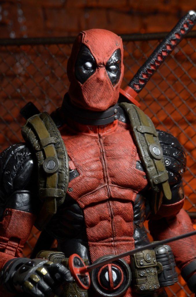 Hallo Ladies: NECA stellt eine 18″ große Deadpool Actionfigur vor – Na?