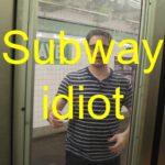 """Der """"Subway Idiot"""" rennt dem verpassten Zug hinterher und findet unterwegs die große Liebe"""