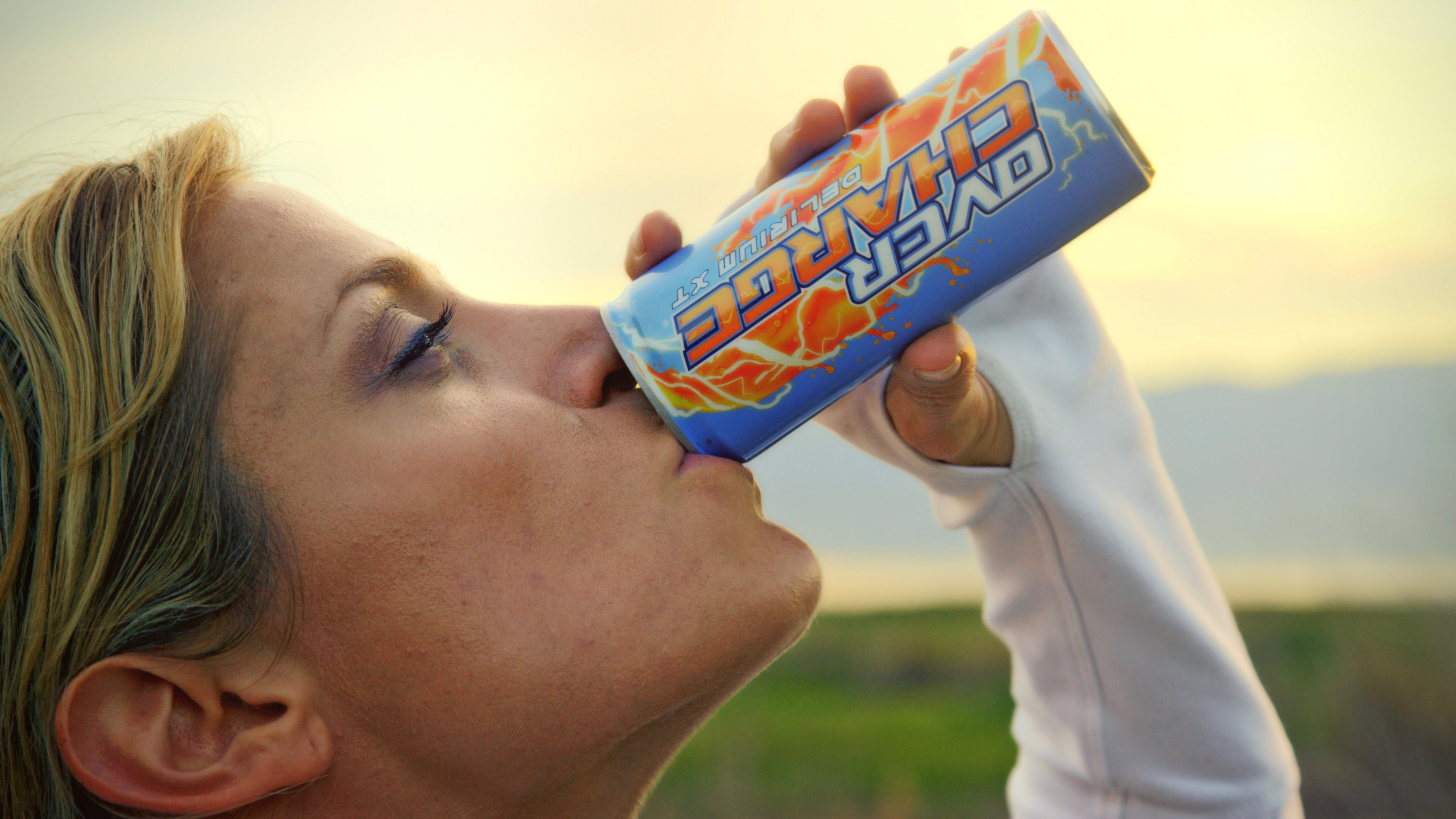 """Im Kurzfilm """"Energy Drinks Will Kill You"""" werden dich Energy Drinks halt nicht töten"""