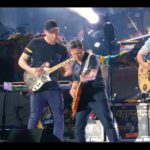 "Michael J. Fox und Coldplay performen ""Johnny B. Goode"" von Chuck Berry"