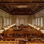 Das Bestücken der Bücherregale der New York Public Library im Zeitraffer