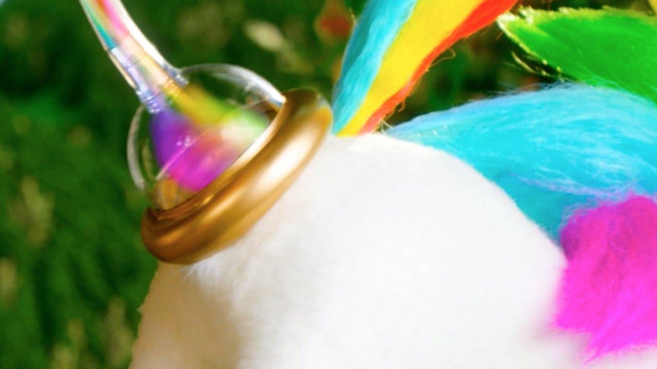 """""""Unicorn Gold"""" ist ein Spray für die Toilette, gewonnen aus Einhorn-Pupsen"""