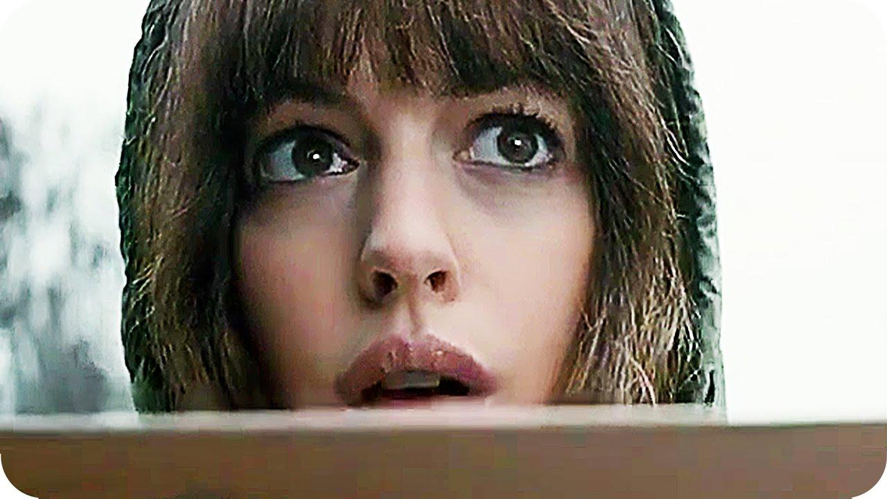 """Im Teaser zu """"Colossal"""" steuert Anne Hathaway einen Kaiju"""