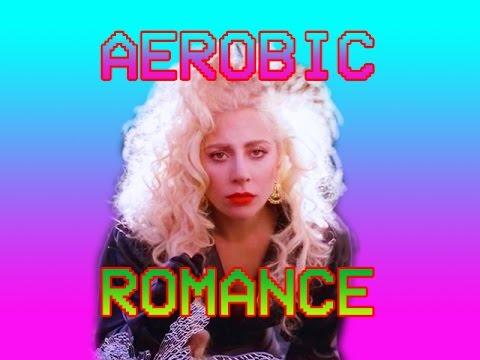"""Wie """"Bad Romance"""" von Lady Gaga, aber zu einem 80s-Aerobic-Video"""