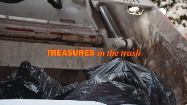 """""""Treasures in the Trash"""" – Eine kurze Doku über einen New Yorker Müllmann, der allerlei Schätze aus dem Dreck zieht"""