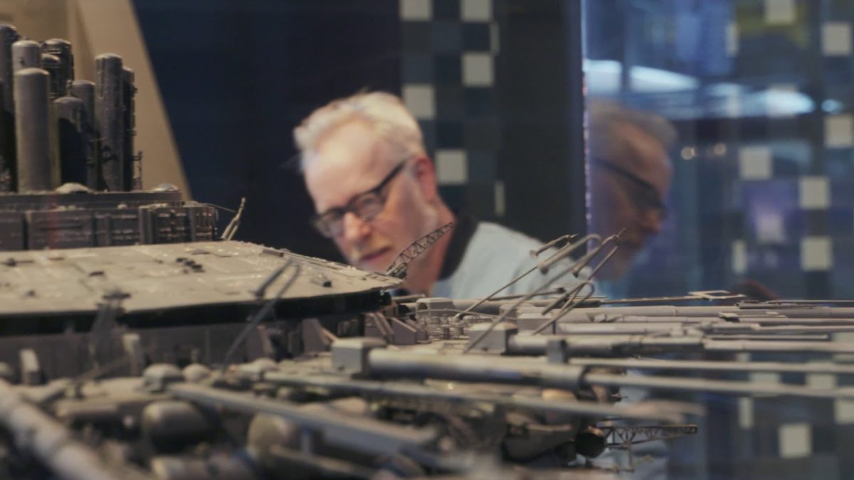 "Adam Savage untersucht das Raumschiff aus ""Close Encounters of the Third Kind"""
