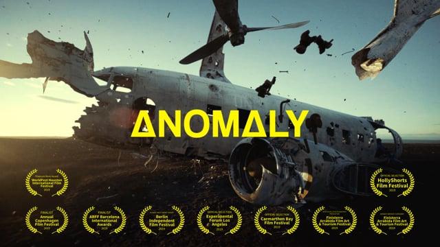 """""""ΔNOMΔLY"""" dramatisiert das sonst so ruhige Island in den Surrealismus"""