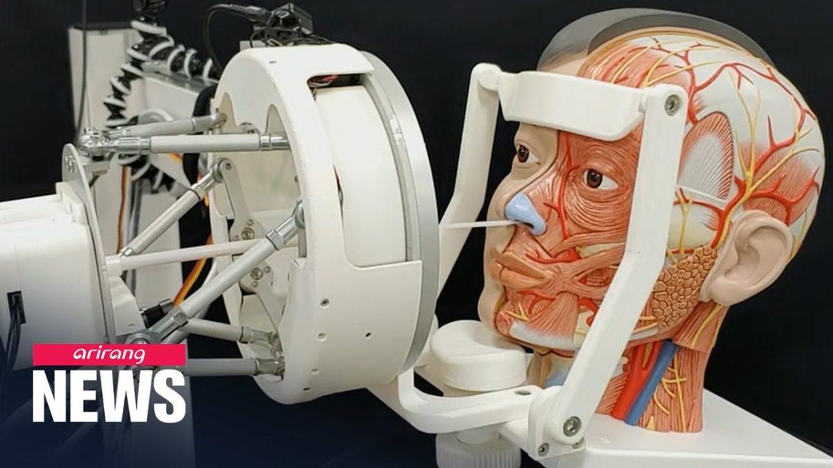Ein Roboter, der dir automatisch ein Wattestäbchen in die Nase steckt, um dich auf COVID-19 zu testen