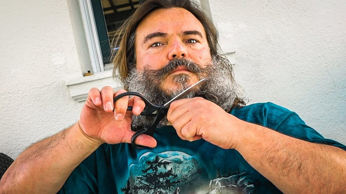 Jack Black schneidet sich Haare und Bart ab