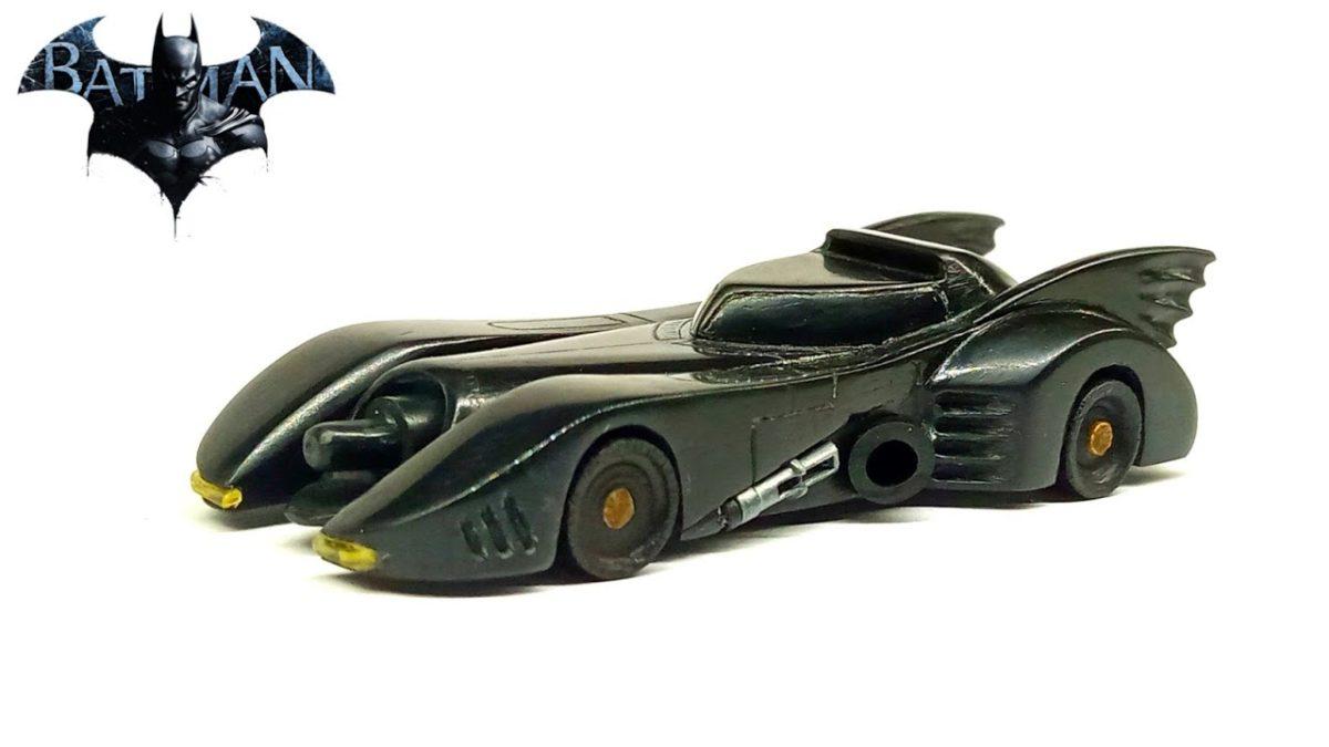 Wie man ein originalgetreures Batmobil aus einem Lautsprecher schnitzt in nur 3 Millionen einfachen Schritten