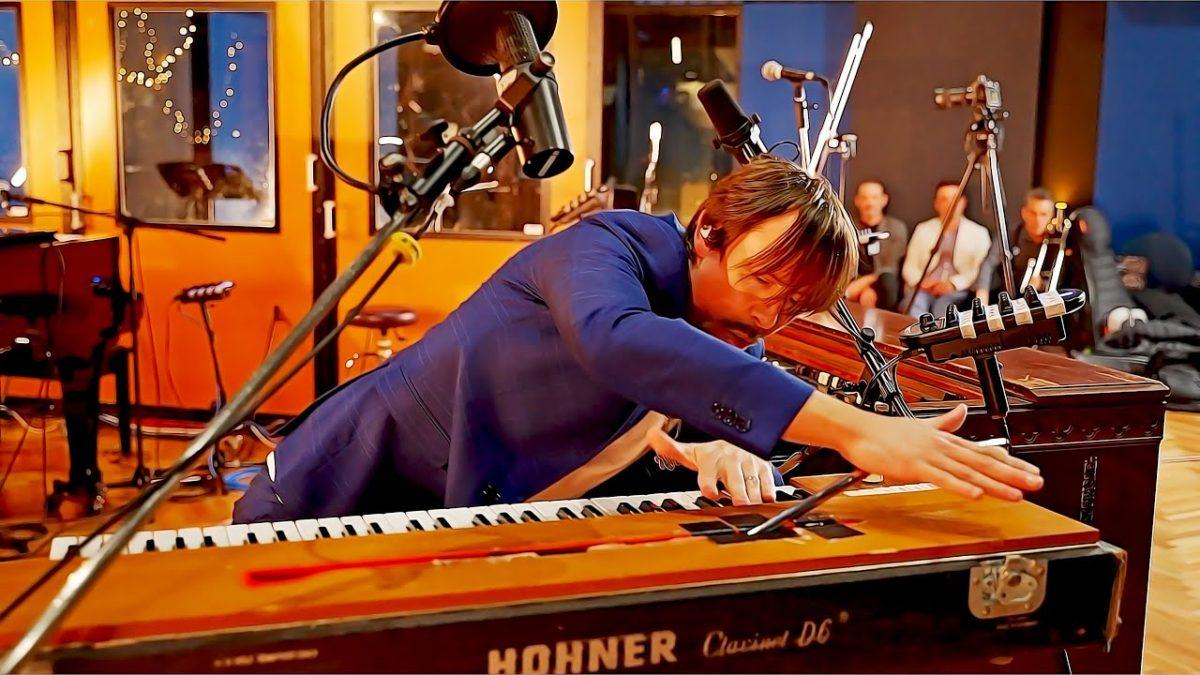 """Lachy Doley covert """"Voodoo Child"""" von Jimi Hendrix auf einem Keyboard!"""