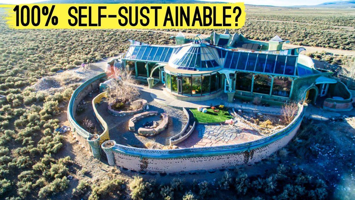 Eine Doku über Earthships, diese selbstversorgenden Häuser aus Müll